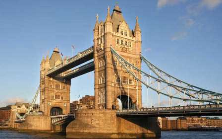 Wahrzeichen London England Tower Bridge
